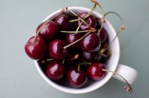 happy xmas, the season for cherries